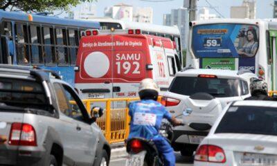 passagem de veículos de emergência